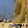 RIPOSTE. L'armée israélienne a répondu, par une série de frappes contre des positions du Hamas, au tir d'une roquette depuis la bande de Gaza. Le dernier tir de roquette sur le territoire israélien à partir de Gaza, brisant le fragile cessez-le -feu, datait d'octobre 2016.