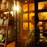 La tradition des maisons de thé reste vivace. Dans les quartiers populaires comme dans les nouvelles rues «branchées» de la ville (Guozijian ou Gulou).