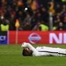 À TERRE. Humiliation, honte, naufrage : les mots ne manquaient pas à la presse pour qualifier ce jeudi 9 mars la large défaite subie à Barcelone par le PSG, qui pourrait connaître une période agitée. Vainqueur à l'aller 4-0, le PSG s'est incliné mercredi soir en match retour à Barcelone (6-1) et est éliminé dès les 8e de finale de la Ligue des champions. Le Barça est devenu la première équipe de l'histoire de la Ligue des champions à remonter un 4-0.