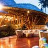 Ecrin de luxe à la décoration authentique, le Ritz-Carlton Reserve Mandapa offre ce sentiment inestimable d'être coupé du monde ...