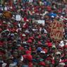 DANS LA RUE. L'opposition sud-africaine a remis ce mercredi 12 avril la pression sur le très contesté président Jacob Zuma en faisant descendre ses troupes dans les rues de Pretoria pour exiger sa démission, avant un nouveau vote de défiance annoncé au Parlement. La marche est pour l'essentiel constituée de militants de l'Alliance démocratique (DA) et des Combattants économiques de la liberté (EFF), les deux principaux partis hostiles au Congrès national africain (ANC) au pouvoir.
