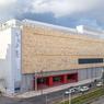 Le EMST, le nouveau musée d'art contemporain ouvre pour la première fois entièrement en devenant le quartier général de la documenta. C'est l'occasion de visiter cette ancienne brasserie de bière transformée en musée.