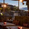 Le toit-terrasse du boutique-hôtel «The Zillers» est un must pour profiter de la douceur de la nuit. Sous les étoiles, on savoure un délicieux cocktail en profitant d'une vue sublime sur l'Acropole.