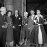 Nuit du cinéma, la remise des Victoires du cinéma le 21 juin 1955 au ministère du Commerce et de l'Industrie a Paris : Jean Gabin, Danielle Darrieux, Sacha Guitry, Michèle Morgan, André Morice (ministre de l'Industrie et du Commerce) et Gina Lollobrigida.