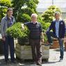 Parti de rien, Joseph Ripaud, entouré de ses fils, Damien (à gauche) et Benoît, a créé l'une des plus grandes pépinières françaises, spécialisée dans l'art topiaire.