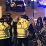 Dans la nuit de lundi à mardi, aux alentours de 22h30 (heure locale), un attentat a eu lieu à la fin du concert de la chanteuse américaine Ariana Grande au Manchester Arena, faisant de nombreuses victimes.