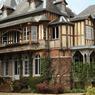 Le «Clos Lupin» à Étretat. C'est dans cette maison de style normand que Maurice Leblanc (1864-1941) écrivit la plupart des épisodes du célèbre «gentleman cambrioleur».