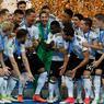 VICTOIRE. Venue avec son équipe B, repartie avec le trophée : l'Allemagne, sans aucun titulaire habituel, a décroché sa première Coupe des Confédérations en battant le Chili (1-0) en finale de l'édition 2017, ce dimanche 2 juillet à Saint-Pétersbourg. Les champions du monde succèdent au palmarès au Brésil triple tenant du titre, et espèrent désormais rompre la malédiction qui a vu les vainqueurs des neuf éditions tous échouer à remporter le Mondial dans la foulée.