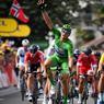 VICTOIRE. Le roi du sprint, Marcel Kittel, a enlevé son cinquième succès et dépassé son record personnel dans le Tour de France, ce mercredi 12 juillet à Pau, avant l'entrée dans les Pyrénées. A 29 ans, l'Allemand qui a ici été photographié en levant le bras bien avant la ligne, compte désormais 14 étapes du Tour à son compteur. Soit 14 victoires dans les 30 sprints massifs disputés depuis sa première participation en 2012.