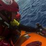 SAUVETAGE. Ce samedi 22 juillet, aux larges des côtes libyennes, les membres de l'ONG espagnole Proactiva Open Arms ont secouru un migrant africain qui tentait de traverser la Méditerranée à bord d'une embarcation de fortune. Selon le Haut-Commissariat de l'ONU aux réfugiés (HCR), plus de 2000 personnes sont mortes ou sont portées disparues depuis le début de l'année en tentant de traverser la Méditerranée.