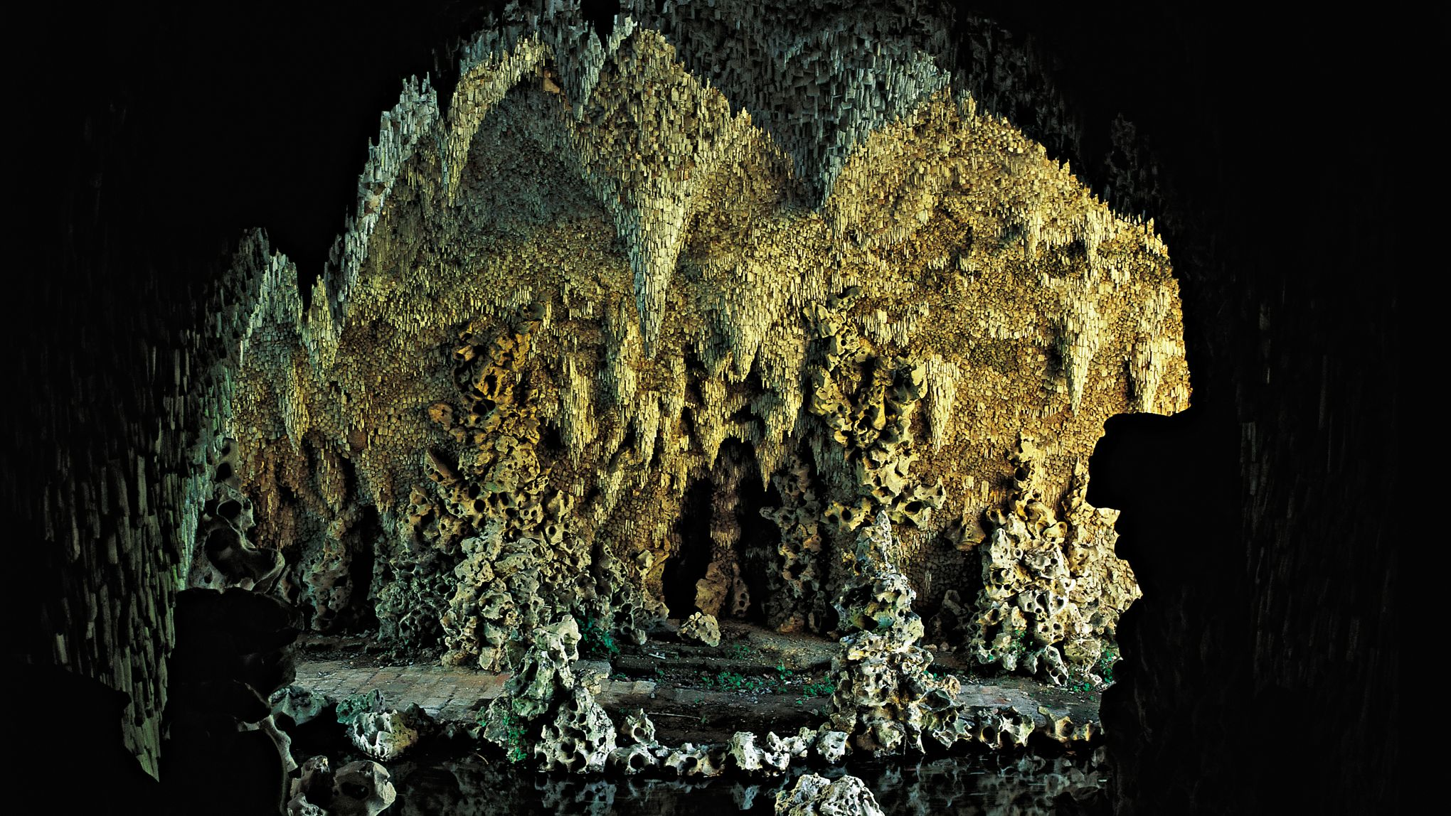 Voyage dans l 39 univers fantastique des grottes de jardin for Jardin fantastique
