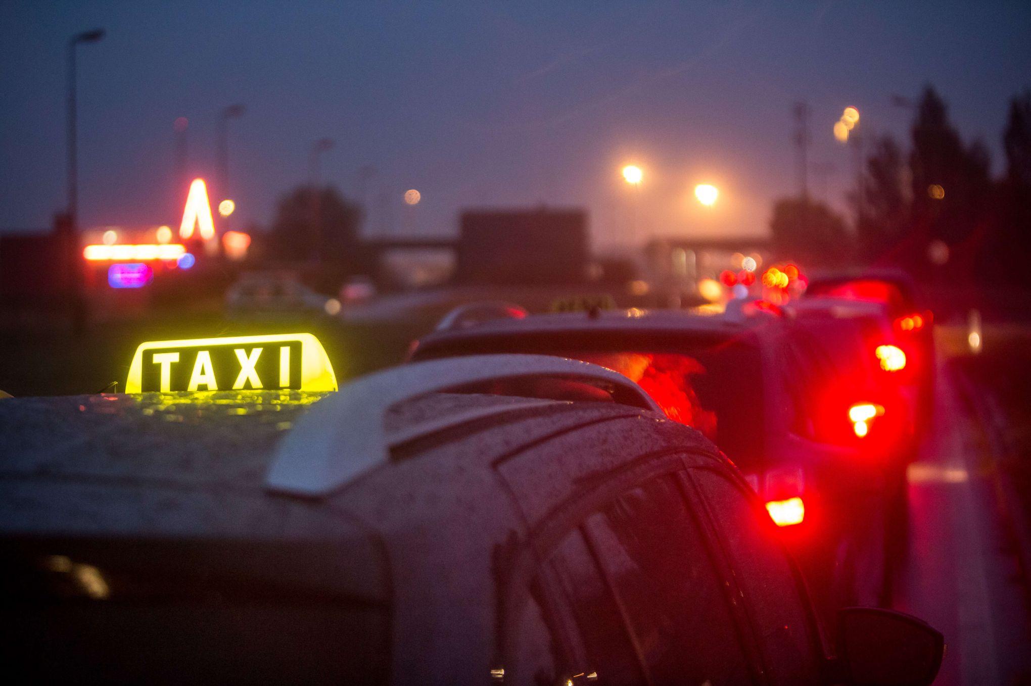 Payer par carte bancaire est d sormais possible dans tous les taxis - Payer dans 3 mois par carte bancaire ...