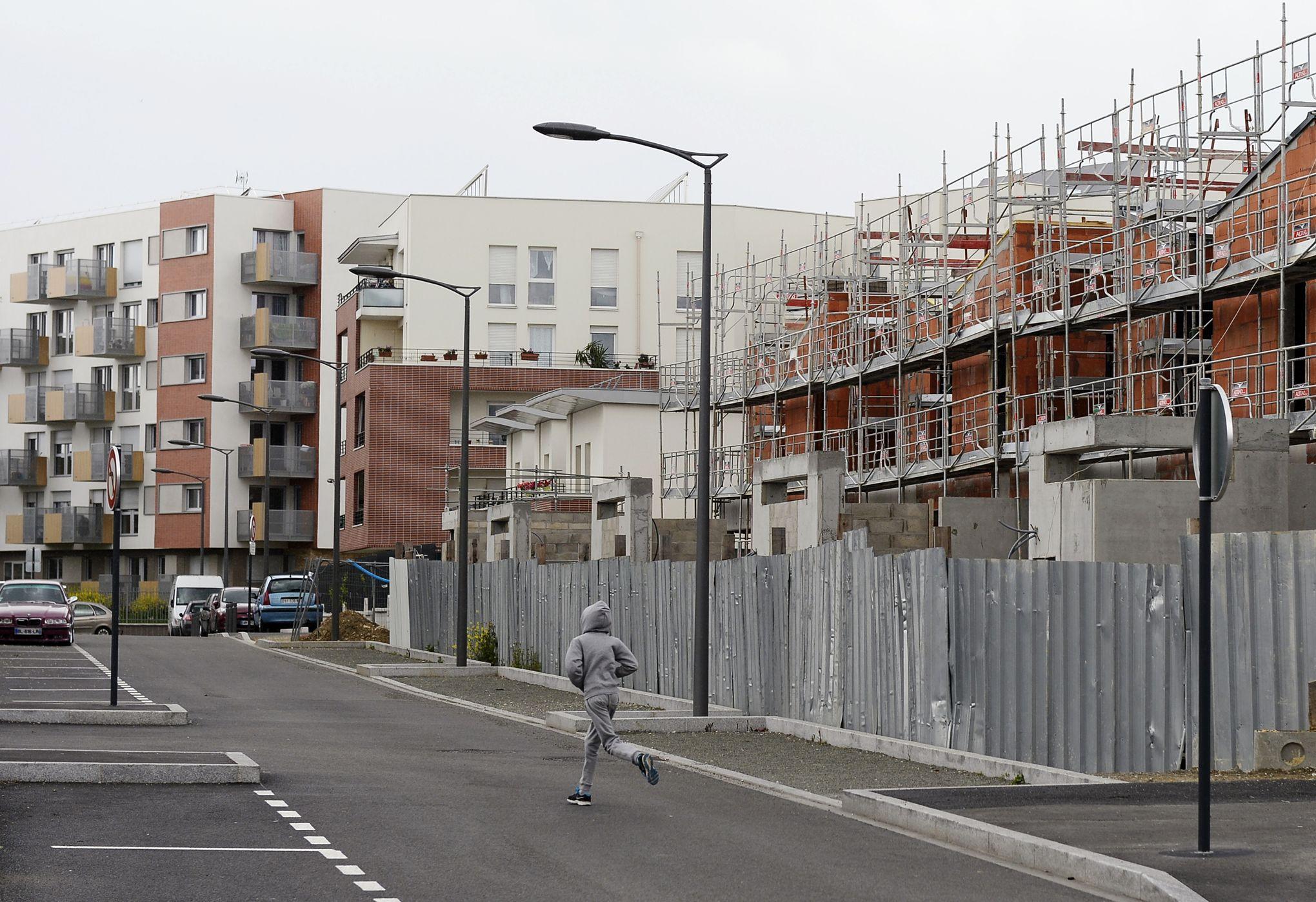 Dans quelle situationéconomique se trouvent nos banlieues # Commissariat De Clichy Sous Bois