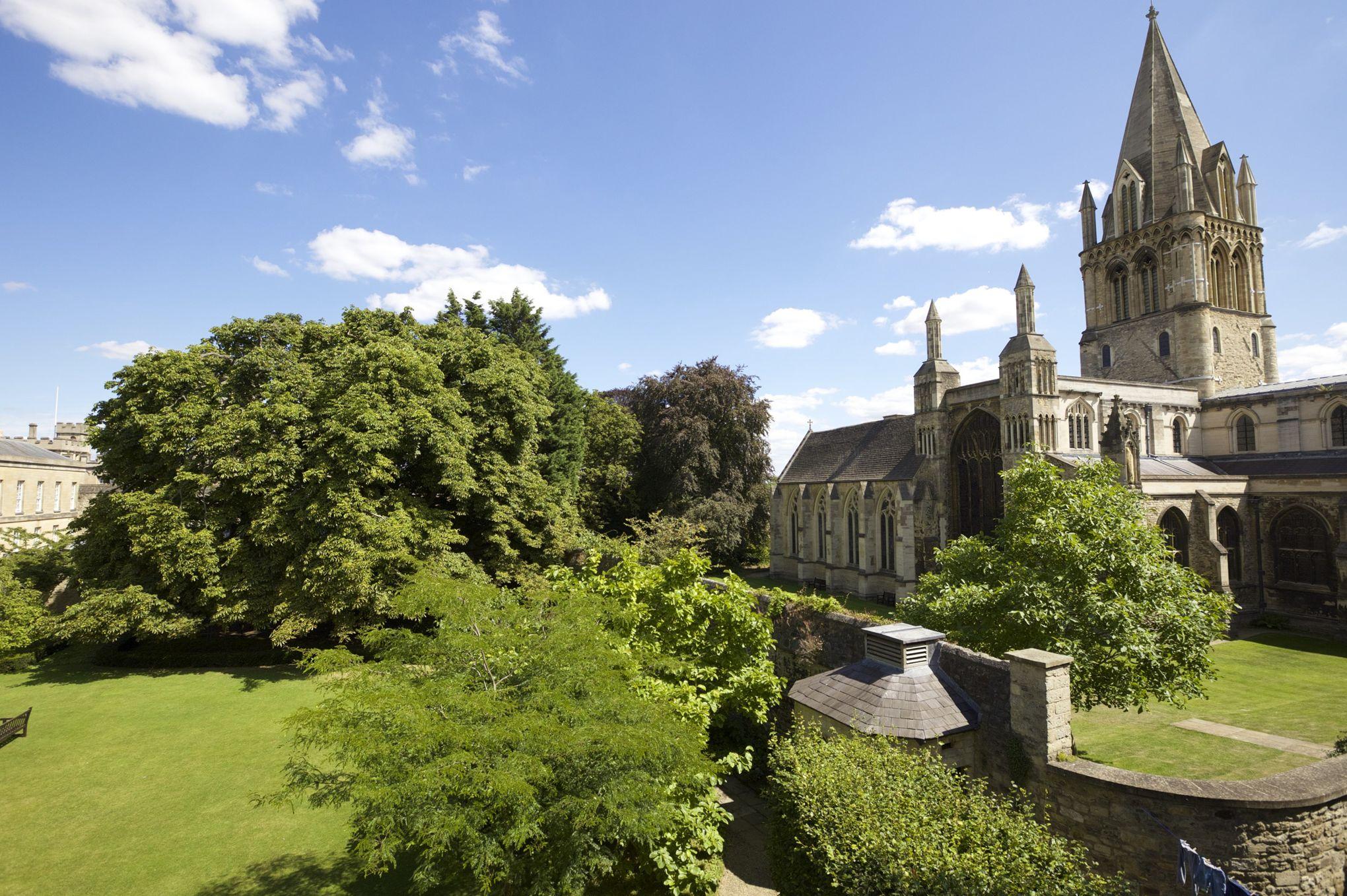 Christ church le vrai jardin d 39 alice au pays des merveilles for Au jardin d alice