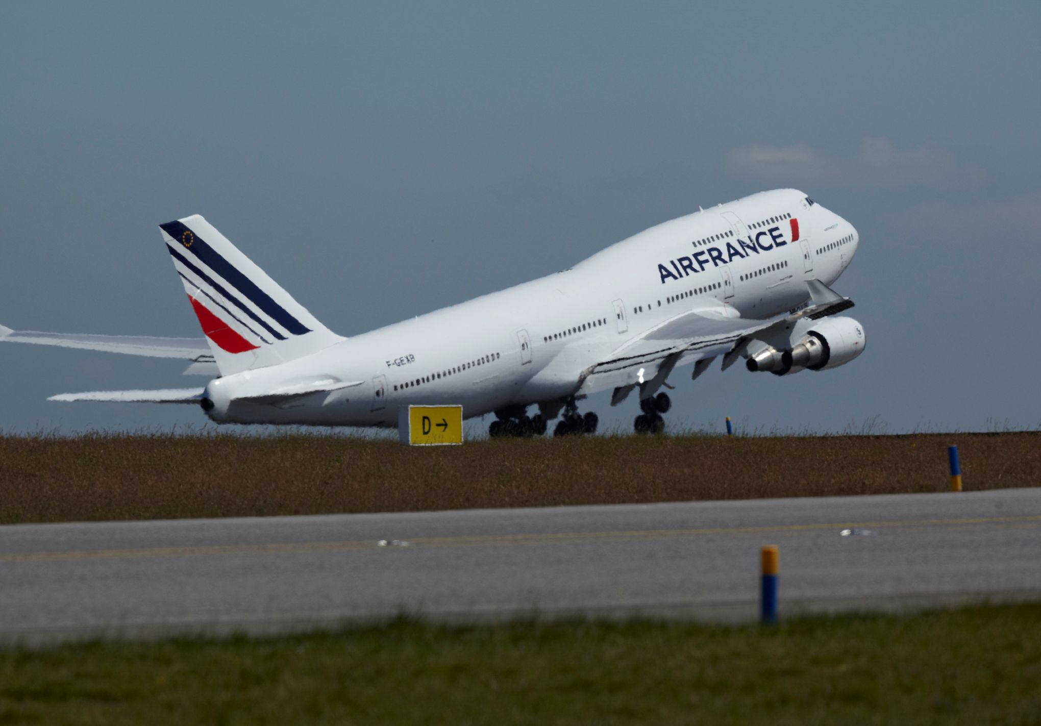 Dernier vol du 747 air france en tenue de gala for Interieur 747 air france