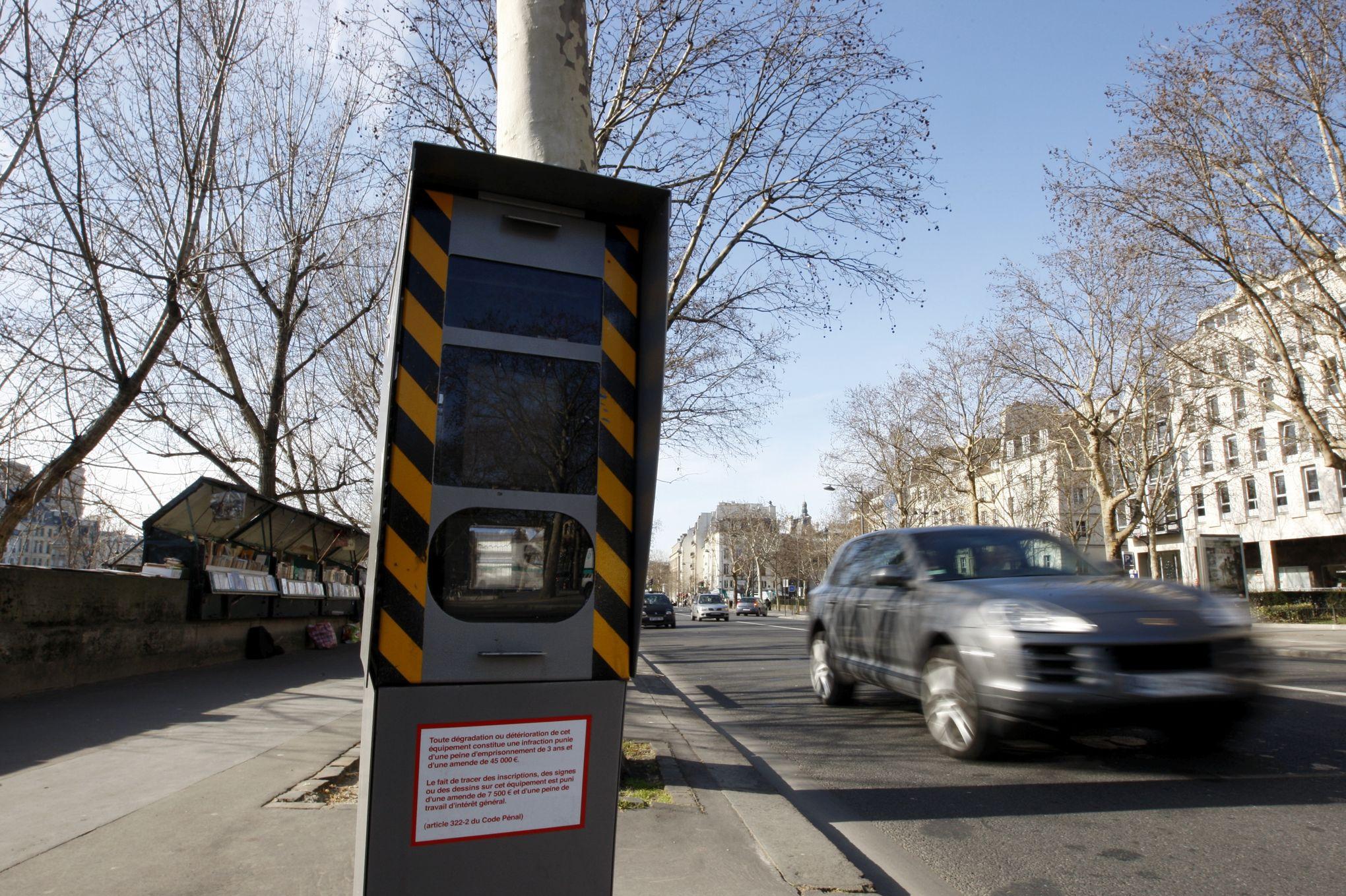 les infractions au code de la route ont rapport 1 7 milliard d 39 euros l 39 tat en 2015. Black Bedroom Furniture Sets. Home Design Ideas