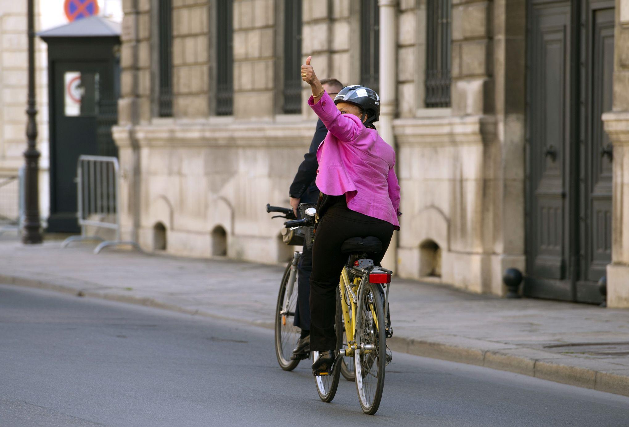 """Résultat de recherche d'images pour """"taubira vélo"""""""
