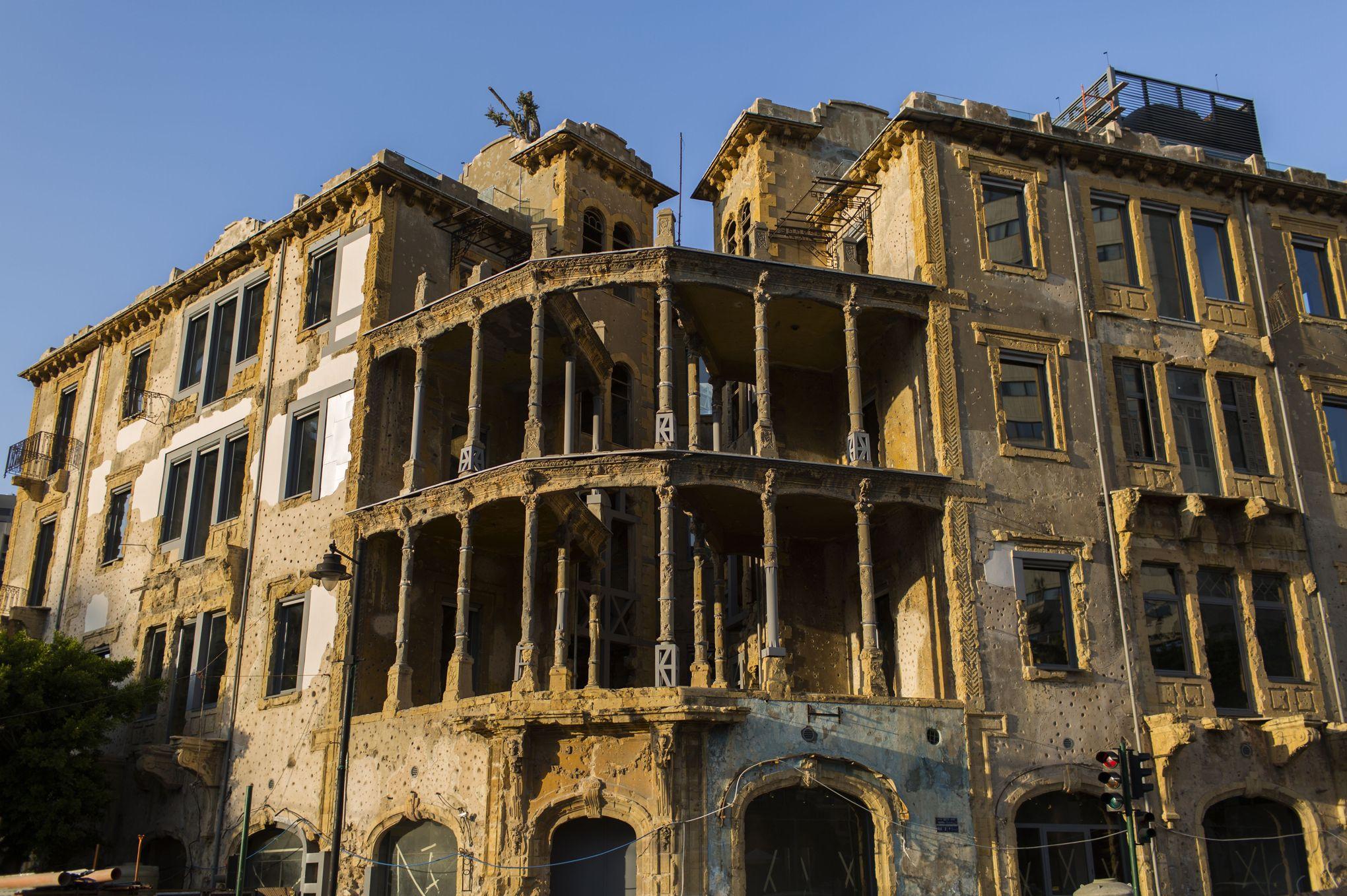 Beyrouth la guerre entre au mus e for Maison prefabriquee liban