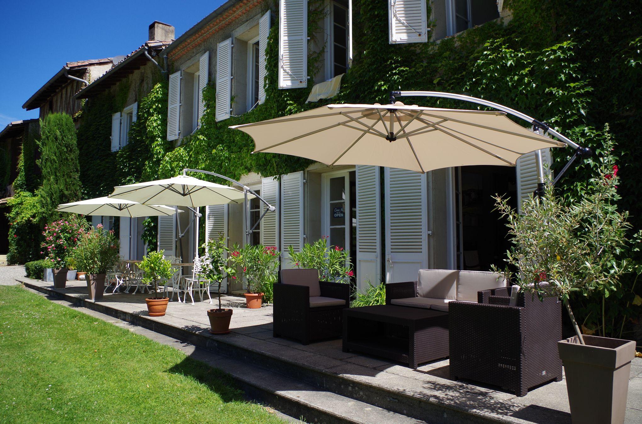 nos plus belles chambres d 39 h tes dans le sud. Black Bedroom Furniture Sets. Home Design Ideas