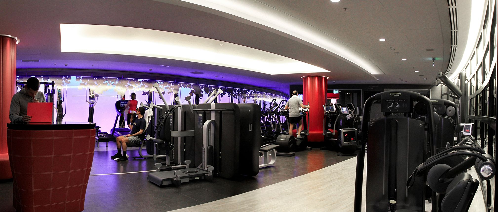 le propri taire de dalloyau lorgne l 39 ex club med gym. Black Bedroom Furniture Sets. Home Design Ideas
