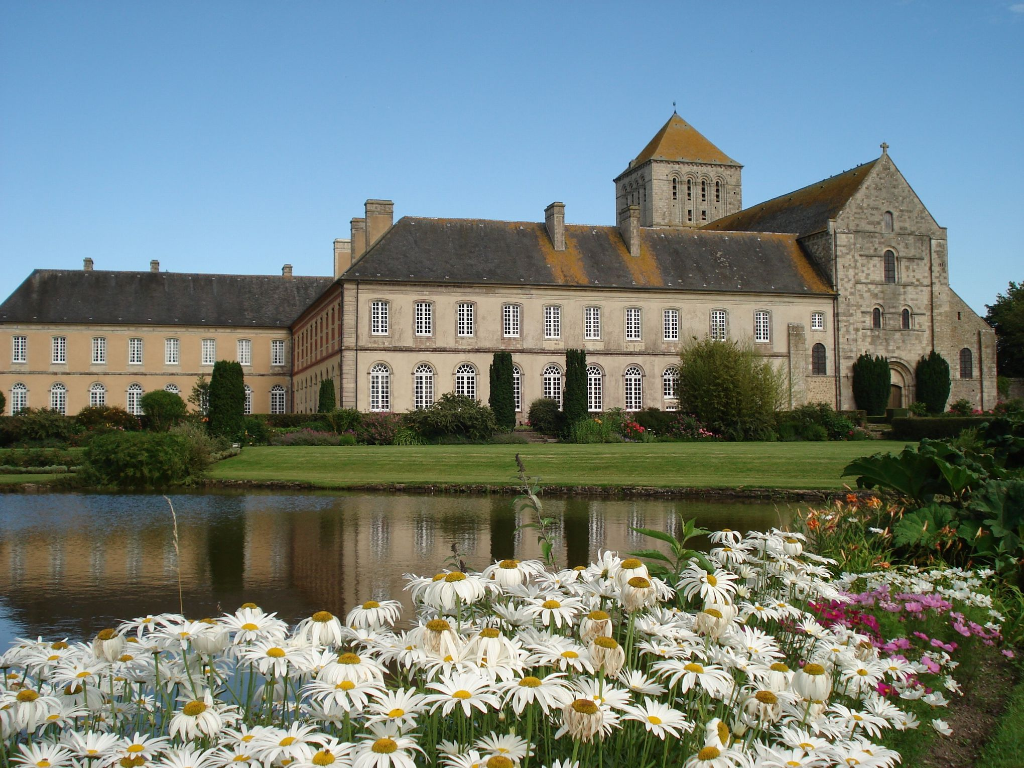abbaye de lessay Abbaye de lessay in lessay, reviews by real people yelp is a fun and easy way to find, recommend and talk about what's great and not so great in lessay and beyond.