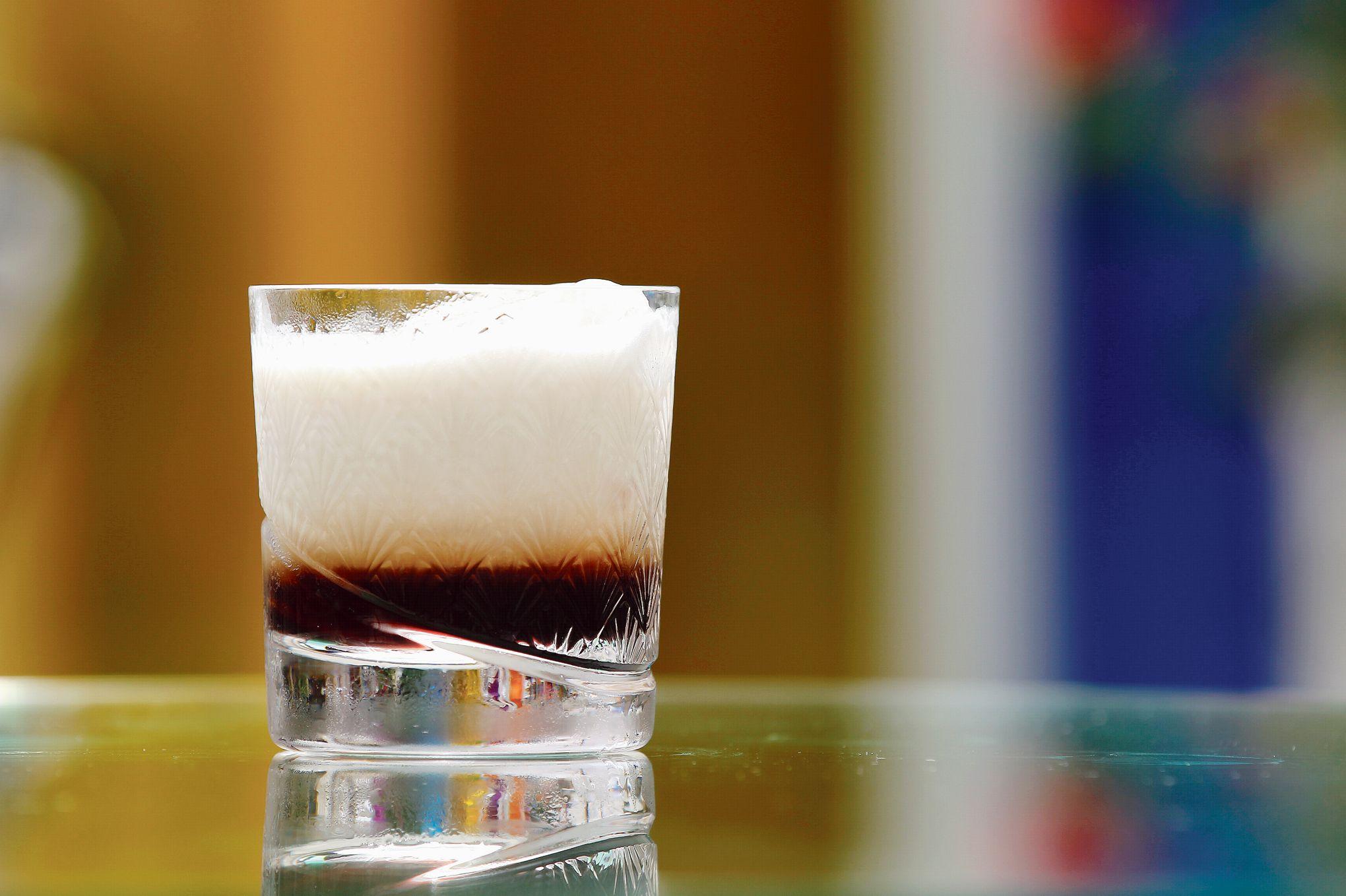 Les trois vies du russe blanc for Cocktail russe blanc