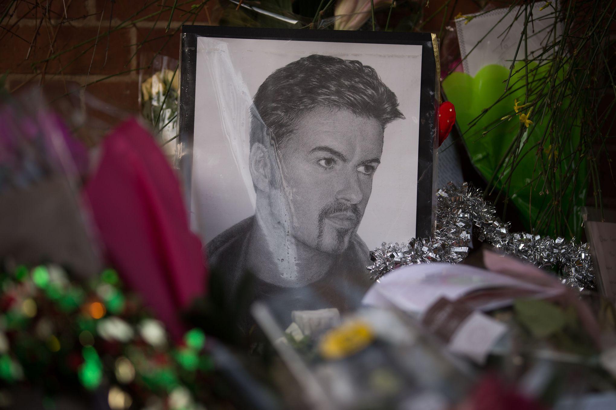George Michael: ses funérailles repoussées d'un mois