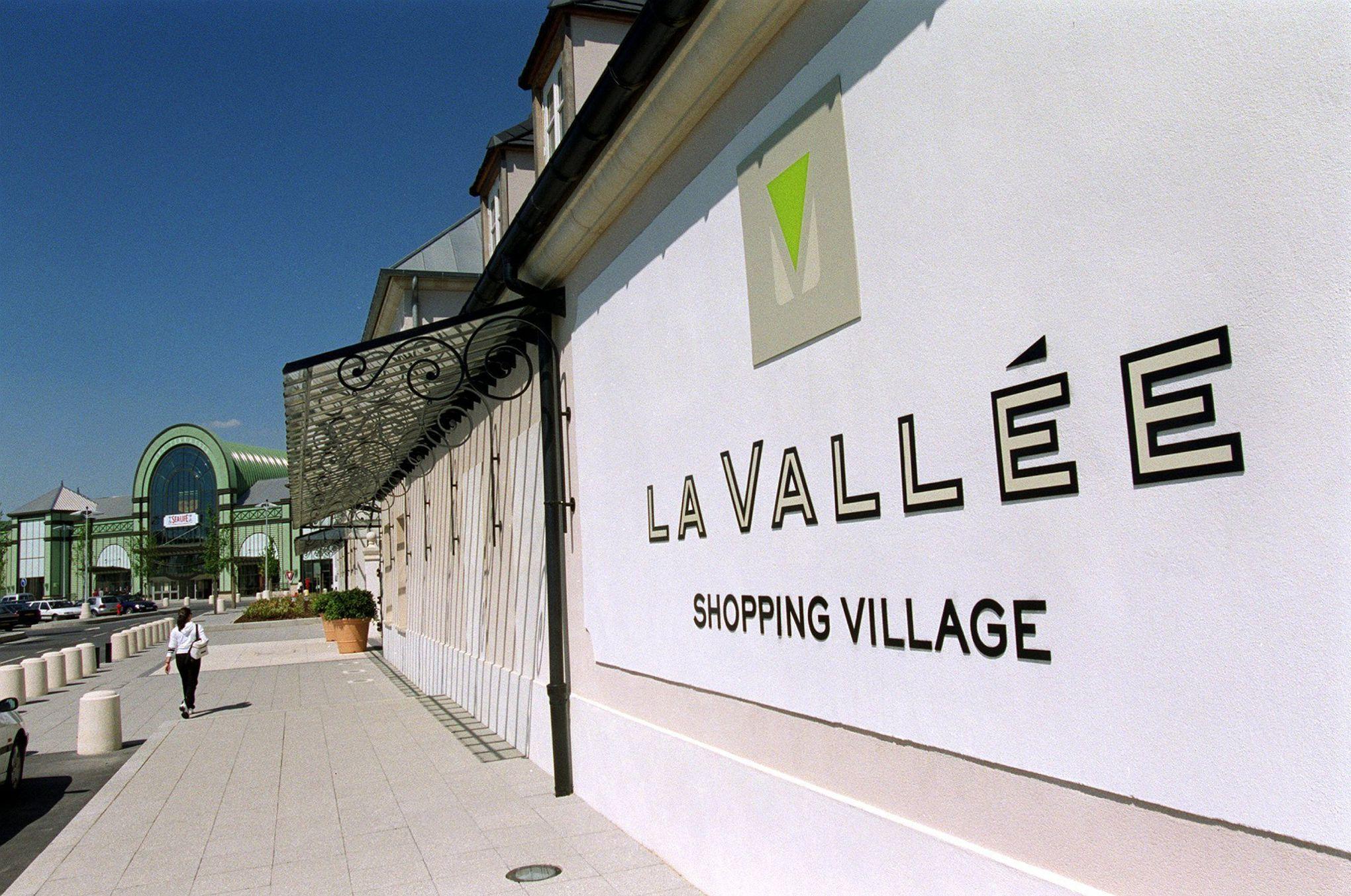 val d 39 europe le petit village est devenu une ville gr ce. Black Bedroom Furniture Sets. Home Design Ideas