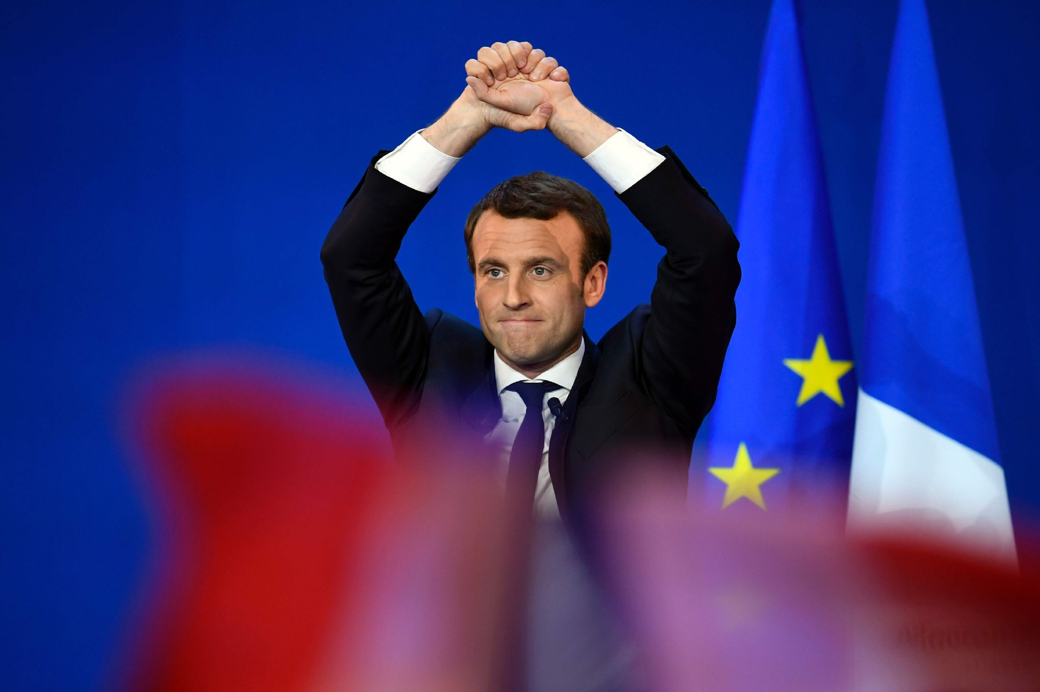 Bruxelles soulagé de la première place de Macron, Trump garde le silence