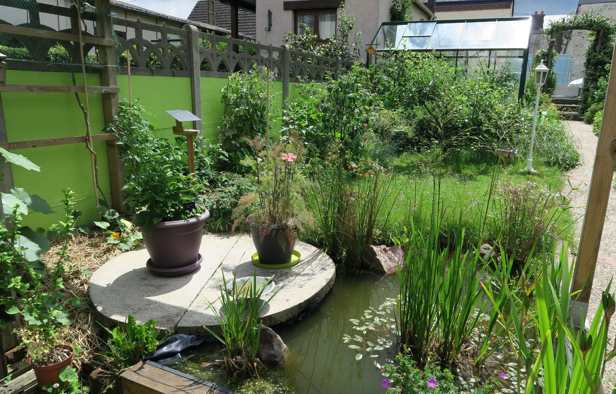 Dans son petit jardin joseph produit 300 kg de l gumes - Petit jardin brissac ...
