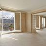 Le stock important de grands appartements àParis fait baisser les prix des biens ne jouissant pas d'une vue, d'une terrasse ou d'un jardin, et nécessitant d'importants travaux. Ce 6 pièces de 340m² dans le quartier de la plaine Monceau s'est vendu 7200€ le m².
