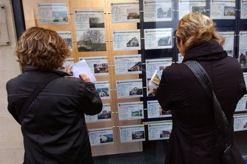 La société qui permet d'ouvrir une agence immobilière sans forcément en avoir les compétences fait l'objet d'une enquête.