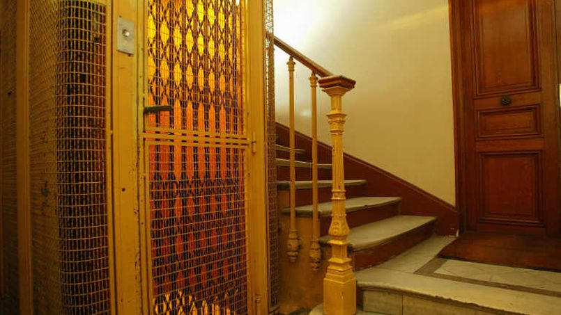 ascenseurs les copropri taires respirent apr s le report de la r novation. Black Bedroom Furniture Sets. Home Design Ideas