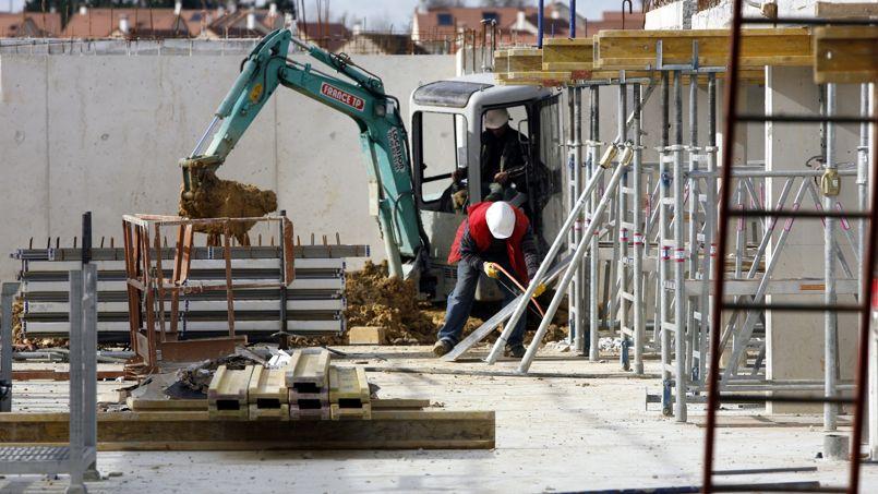 La construction de logements recule toujours for Construction de logements neufs