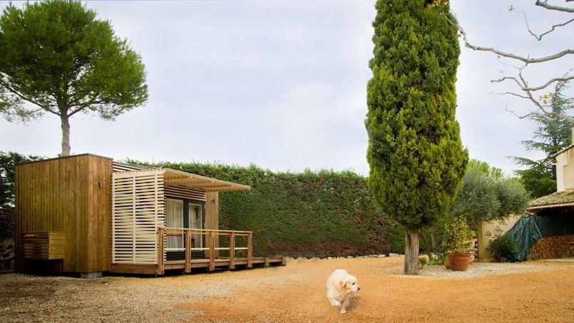 le chalet m dicalis au fond du jardin pour viter la maison de retraite. Black Bedroom Furniture Sets. Home Design Ideas