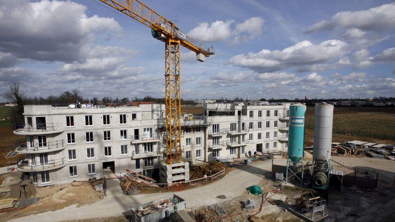 La construction de logements neufs poursuit son reflux for Construction de logements neufs