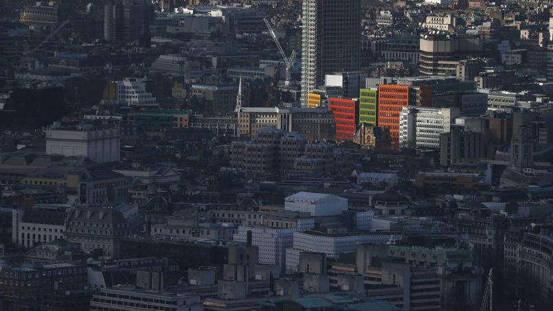 À Londres, les prix les plus élevés vont de 833euros à plus de 1500euros le m2 dans le West End et la City.