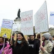 Rassemblement à Paris contre le harcèlement sexuel :