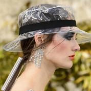 Pour son défilé, Chanel a coiffé ses mannequins avec... un aspirateur