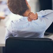 5 mouvements à faire au bureau pour détendre un dos tendu par le froid
