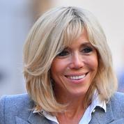 Carré signature, frange aléatoire, blond changeant... La coiffure de Brigitte Macron passée au crible