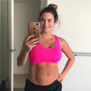 Une coach fitness dévoile une photo non retouchée de son corps post-accouchement