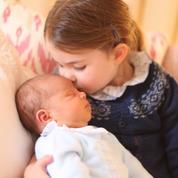 La première photo du prince Louis dévoilée