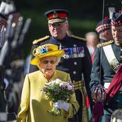 Comme si de rien n'était, la reine d'Angleterre fait son grand retour à Édimbourg