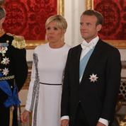 Au Danemark, Brigitte Macron emprunte le style de Diana Ross