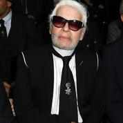 Coup de tonnerre dans la mode   Karl Lagerfeld a abandonné ses lunettes de  soleil 39eb5b10a74b
