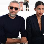 Vincent Cassel et Tina Kunakey au premier rang de la Fashion Week de Milan