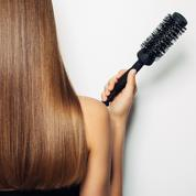 Se brosser les cheveux sans électricité statique ? Les astuces de David Lucas
