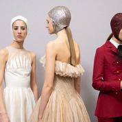 Bonnets, barrettes et serre-têtes : les accessoires cheveux à adopter cette année