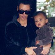 Kim Kardashian attend son quatrième enfant par mère porteuse